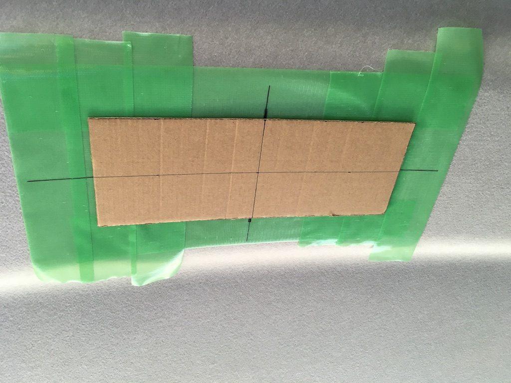 フリップダウンモニターを取り付けキットなしで取り付ける方法4